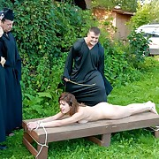 Caned outdoor in front of an audience