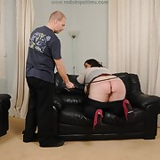 Sweet wench gets her plunder flogged
