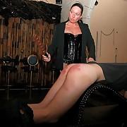 Domina paddling slavegirl