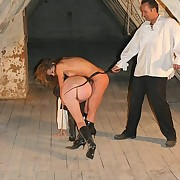 Two sluts bullwhipped