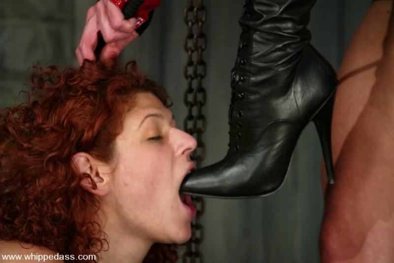 Порно женщины вылизывают языком мужиков ответа