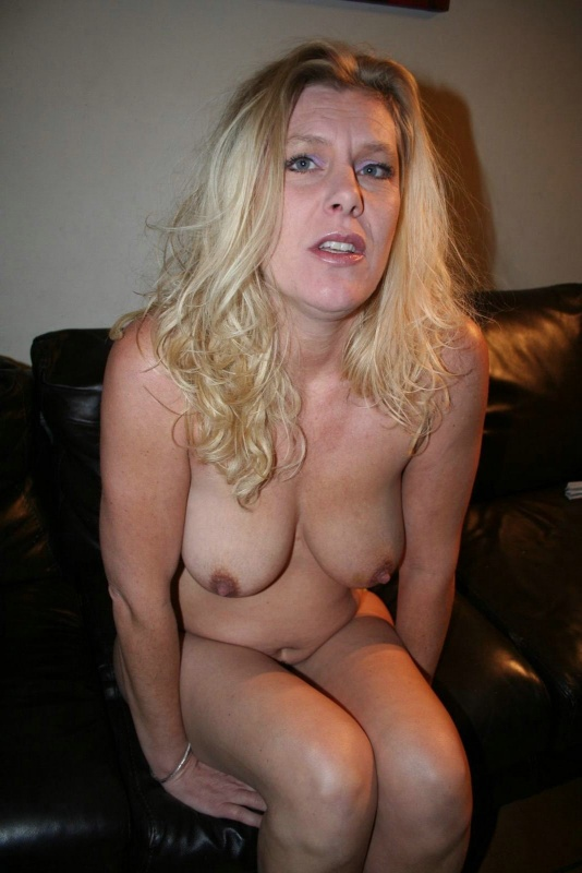 Think, amateur mature slut christina risk seem