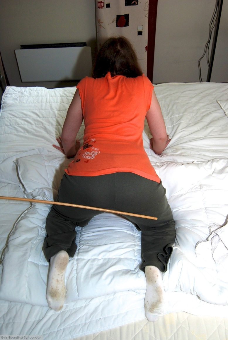 Whips and welts for jessica - 2 part 1