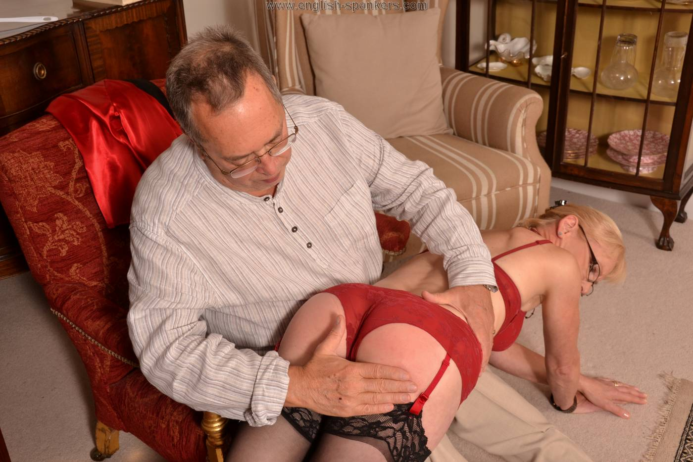 Lady mature sucking