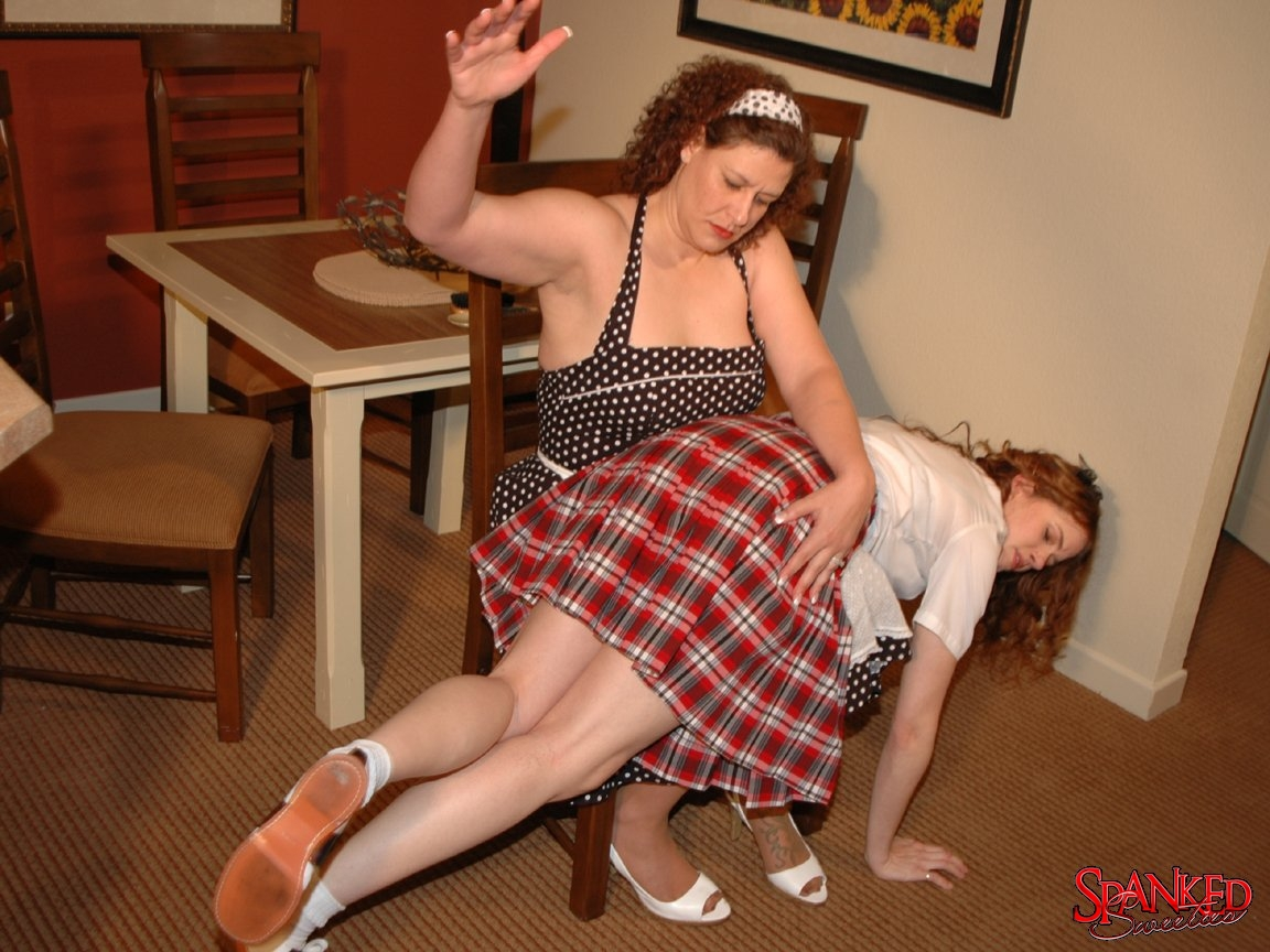 Spank the hooker — pic 12
