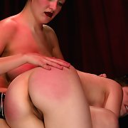 Female`s snatch drilling and whipping