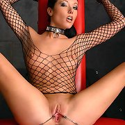Erotic beauty Nadia Nitro gets exotic in the dungeon