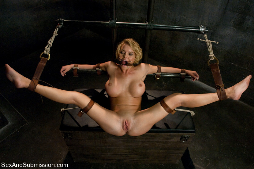 Mature woman amateur stripping