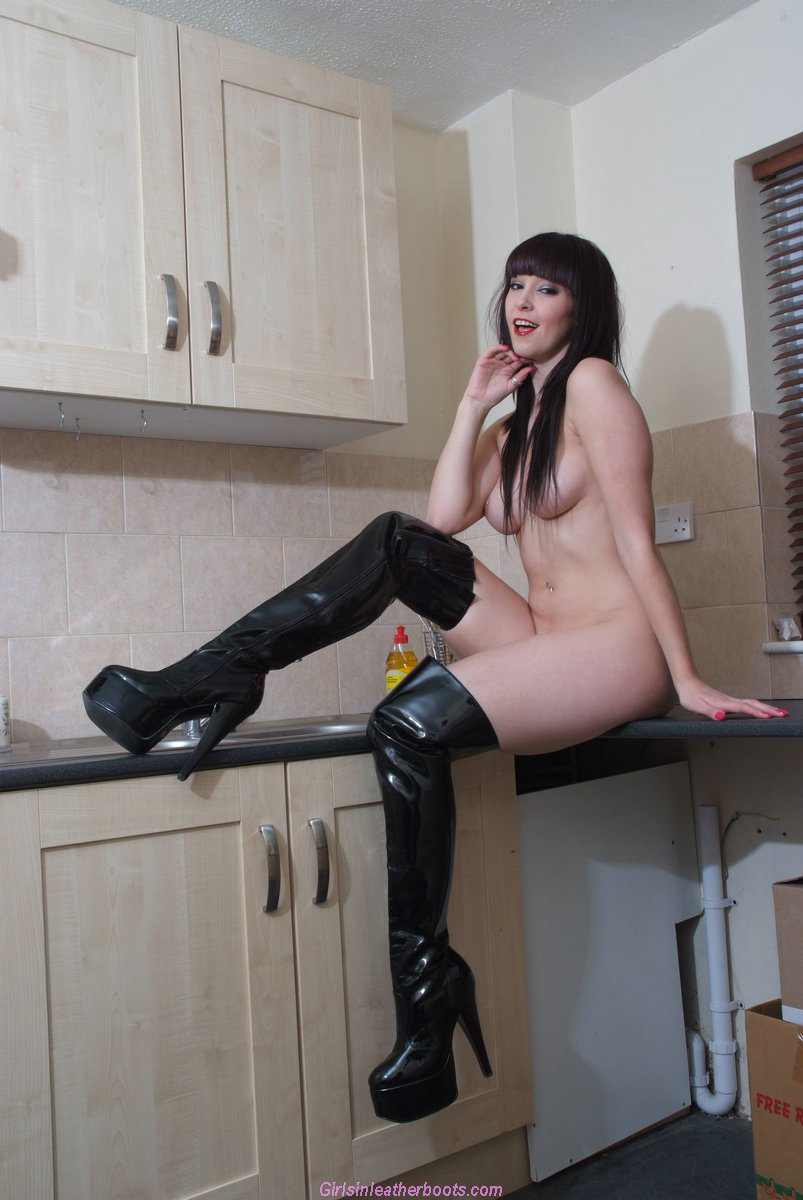 boots deep sinking fetish Girls