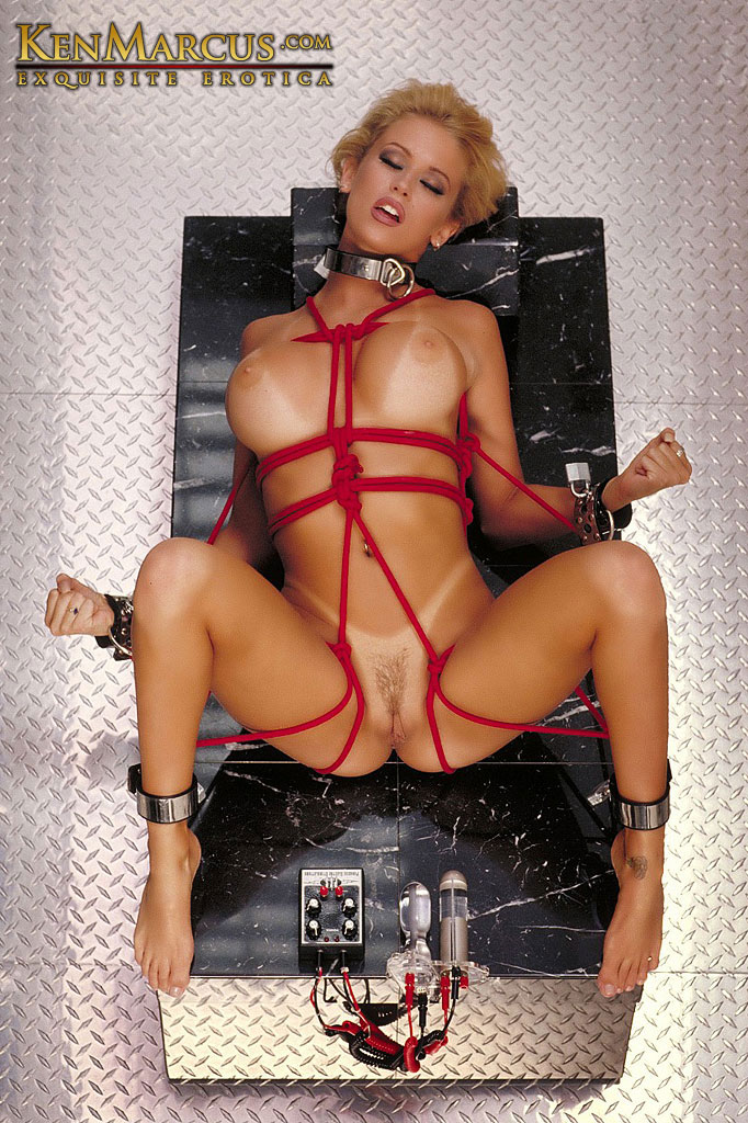 Jenna jameson having sex with machine