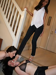 Slavegirl was trampled by heels