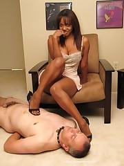 Malesub worships feet of his ebony mistress