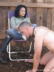 Outdoor feet worship