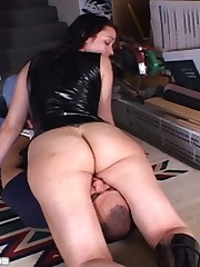 Sienna is pissed at her boyfriend and uses her big round ass to deliver the punishment