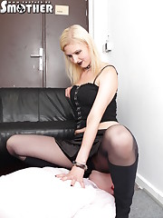 Blonde smothered the handcuffed slave by ass