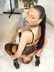 Dissolute hottie wants her sub to sniff her ass