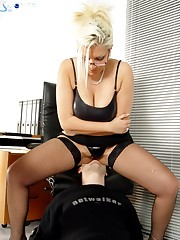 Perverted business-lady wants her male secretary fell her butt