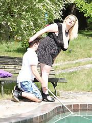 Hot 22yo fatty throning a guy by the pool