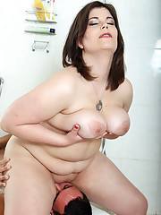 Shower face sitting session with big beautiful woman mistress
