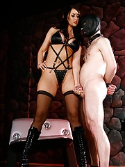 Mistress Alexis Grace can't live without showing her slaves who is the boss by torturing their balls