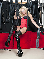 UK Mistress Picture
