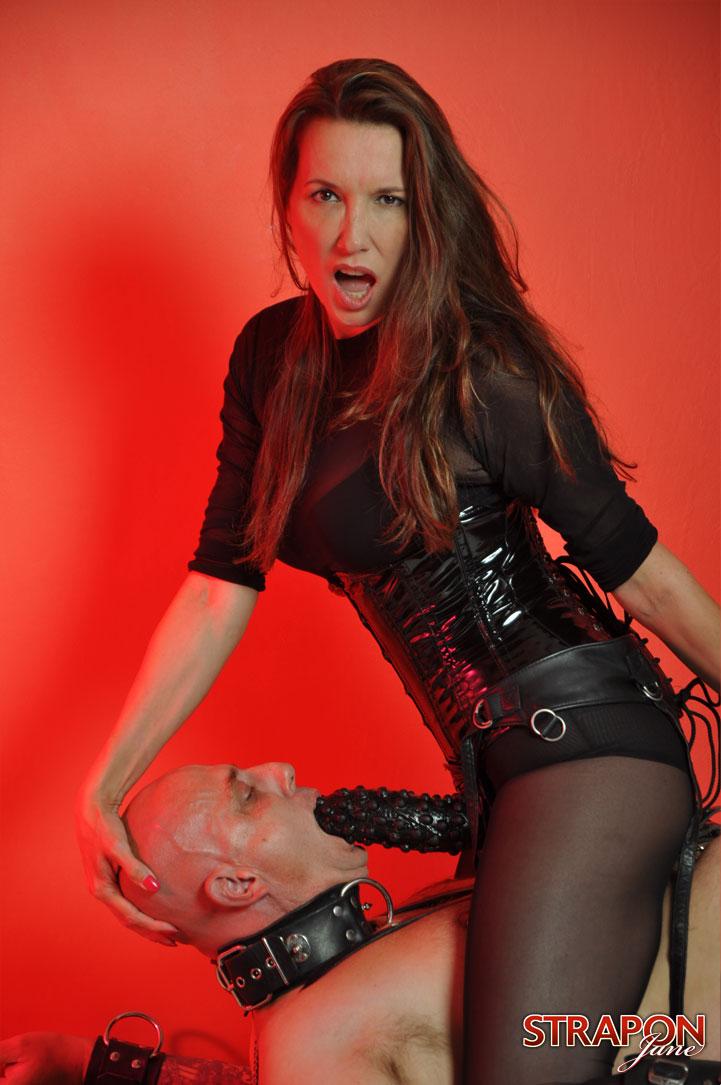 Miss Raquel Lesbian Strapon