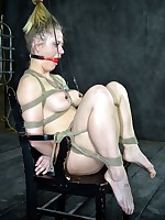 Slavegirl Elise Graves knocks the brush upon