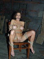 Slavegirl got tied on the floor with an increment of chear