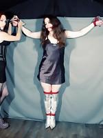 Catya Elyssia preparing the captive