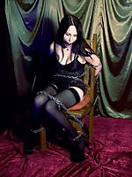 Elyssia chained vamp