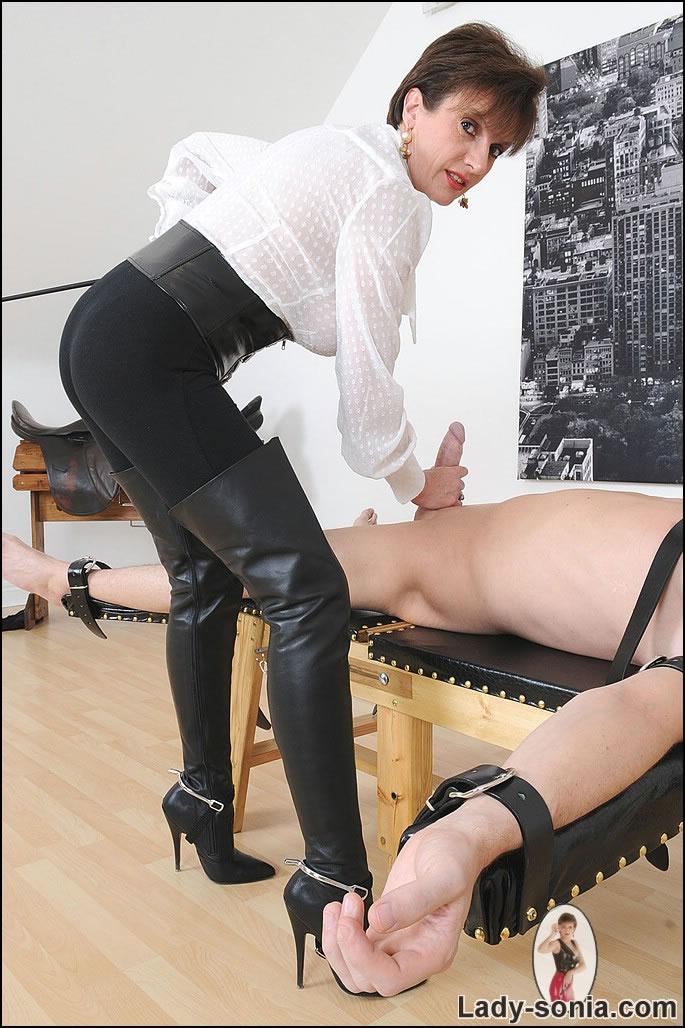Suck mistress spike - 1 part 10