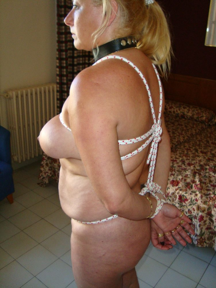 blonde milf tied amateurs