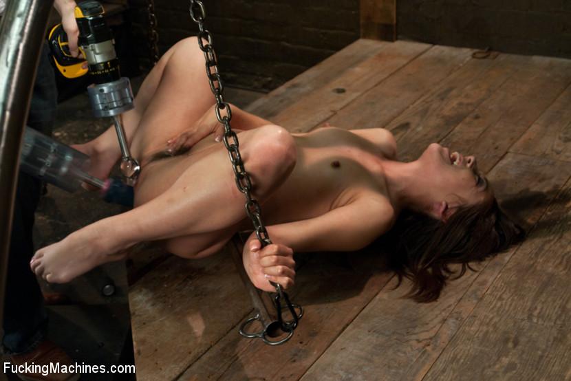 механическая секс машина во все щели видео бесплатно