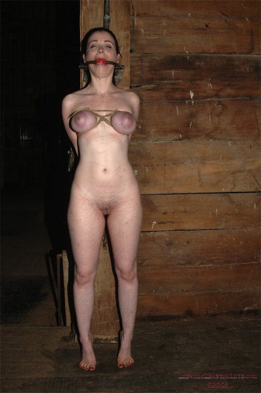 Big booty women upskirt pee