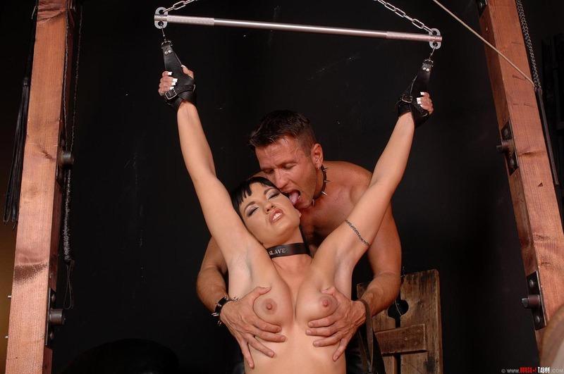комната пыток секс фото