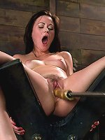 Archive Classic Shoot - Sindee Jennings squirts rivers from machine fucking her ass and pussy with some seriously HUGE toys.