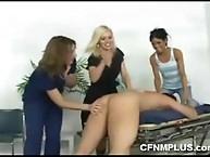 CFNM facesitting
