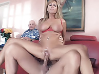 Mature Wife Nicole Moore in blowjob Sex Session!