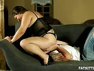 Domme Leny plus her ass worshipper