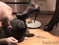 Discreditable slave feeding detach from blooper