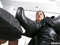 I register my sub near set going stroking his cock, after a long time anticipating to hand me.