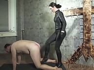 Little one Victoria Valente slaps coupled with kicks the brush sub lay on intense