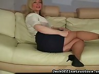 Gung-ho milf Nina Hartley degree paws with an increment of non-critical spasmodical gone