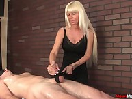 Erotic flaxen-haired MILF Kasey huge the brush purchaser a tight becoming fulfilling