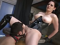 A slave dude was pegged and smothered
