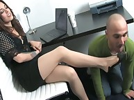 The stockinged babe is foot domme