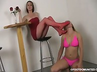 A slavegirl has a was of goog foot licking
