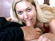 Young wife sucking short overweight cock