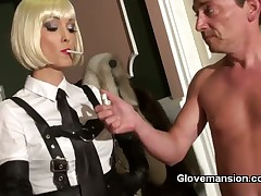 Lucky slave got habdjob from sexy blonde