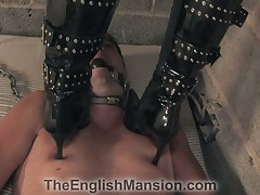 Cuck slave watching his GF's pussy pumped